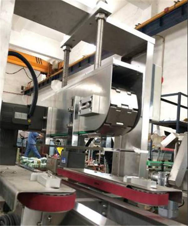 machine de capsulage de bouchon de bouteille de pressage linéaire automatique